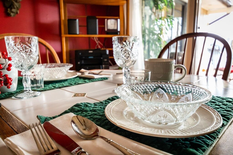 LAUREL GROVE INN ON THE SOUTH RIVER - BED AND BREAKFAST, Anne Arundel