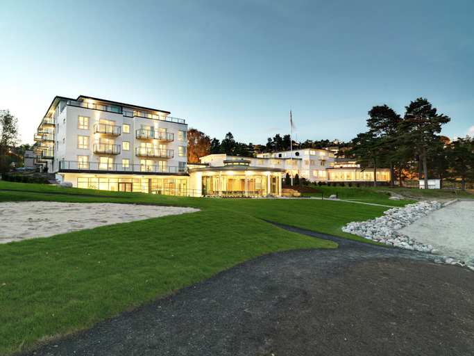 Strand Hotel Fevik - by Classic Norway, Grimstad
