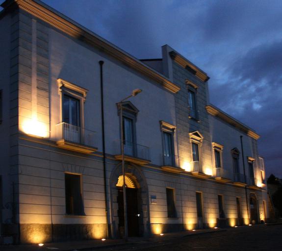 Villa Avellino, Napoli