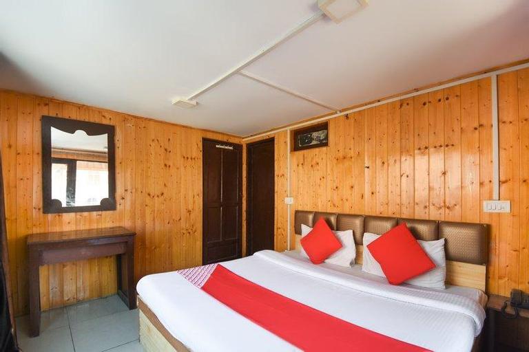 OYO 63738 Hotel Akash Palace, Anantnag