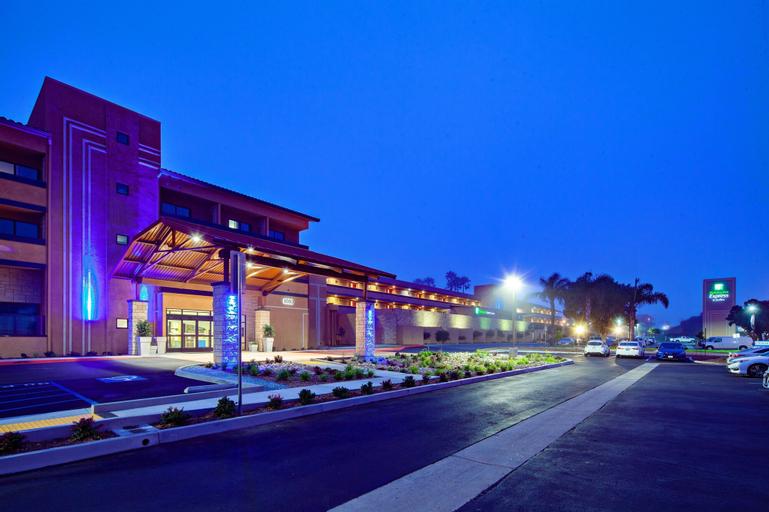 Holiday Inn Express Hotel & Suites Ventura Harbor, Ventura