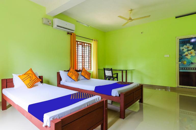 SPOT ON 60470 Sreepadmini Ss Ayurmadam, Kollam