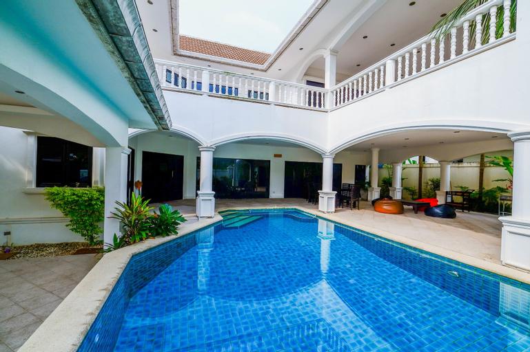 Baan Bali 5 bedroom Pool Villa By Pinky, Bang Lamung