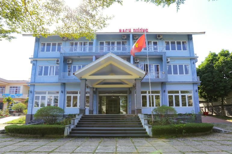 OYO 593 Bach Duong Hotel, Sơn Tây