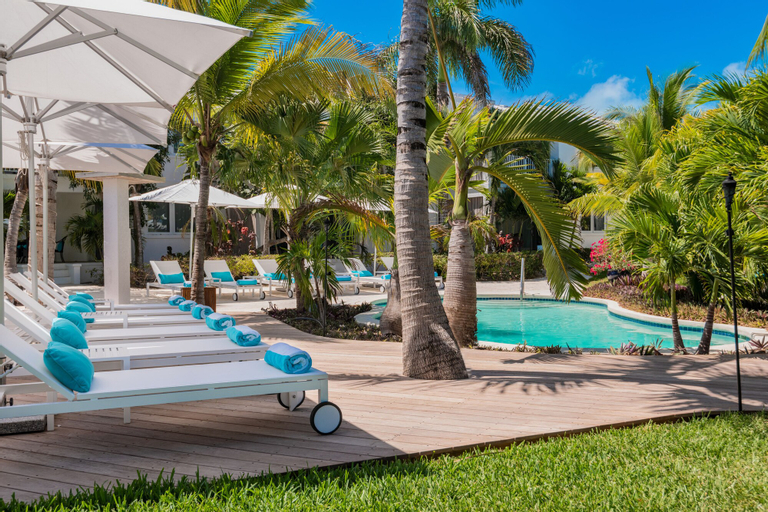 The Oasis at Grace Bay,