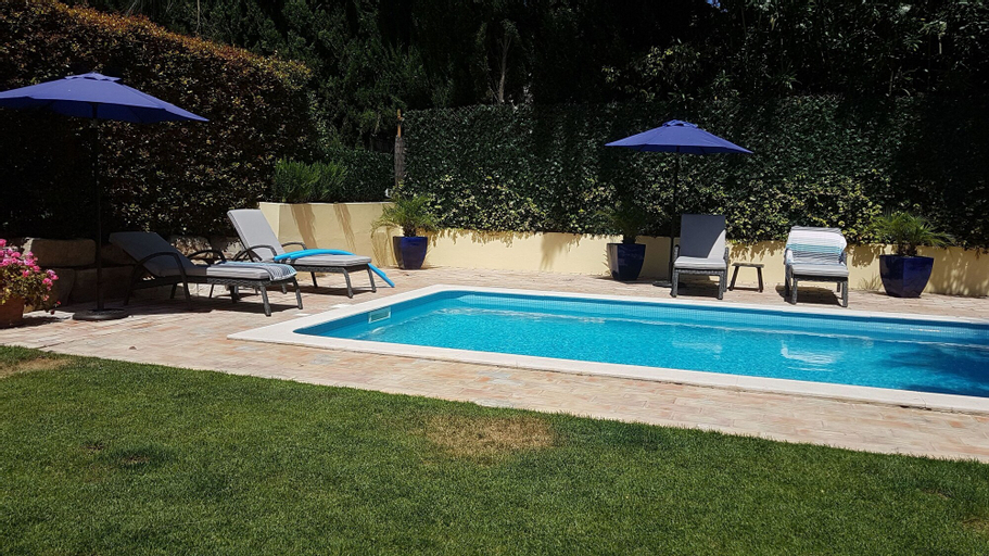 Villa Serene with Private Pool, Loulé