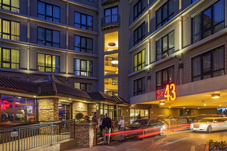 Hotel 43, Ada