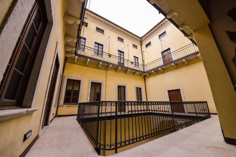 Loft & Jacuzzi, Trento