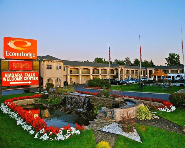 Econo Lodge At The Falls North, Niagara