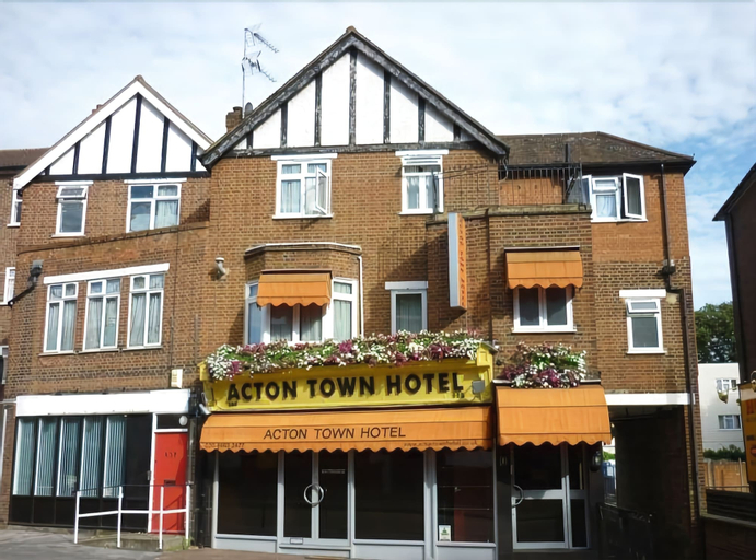 Acton Town Hotel, London