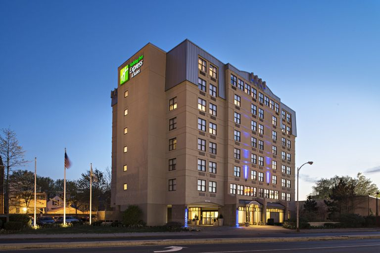 Holiday Inn Express & Suites Boston - Cambridge, Middlesex