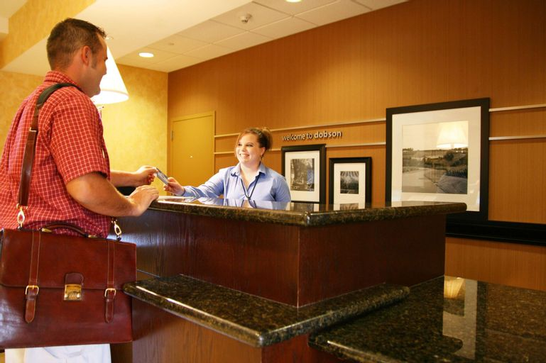Hampton Inn and Suites Dobson, Surry