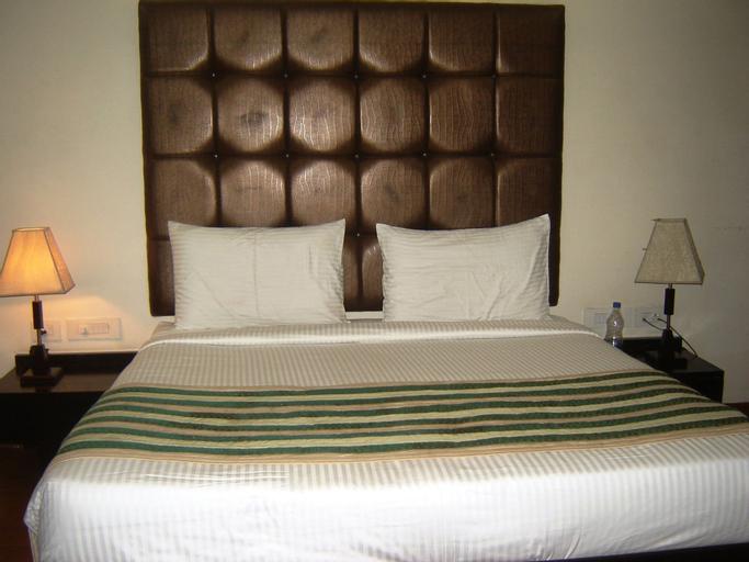 Hotel Anand Retreat, Gautam Buddha Nagar