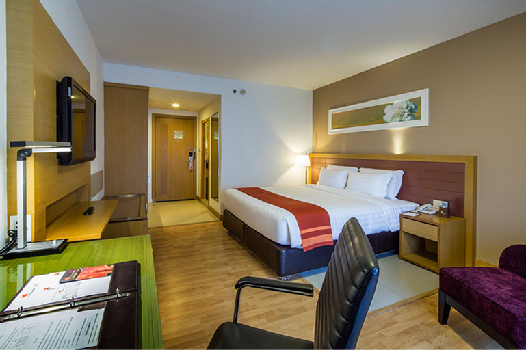 Maple Hotel, Bang Plee