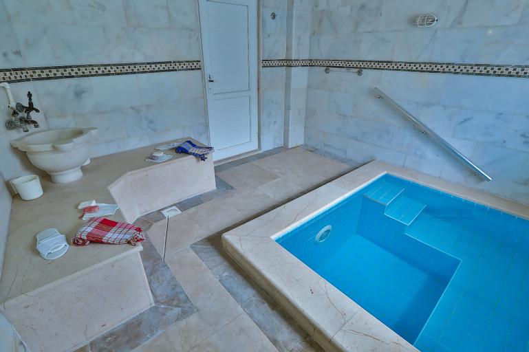 Dundar Thermal Villa Otel, Merkez