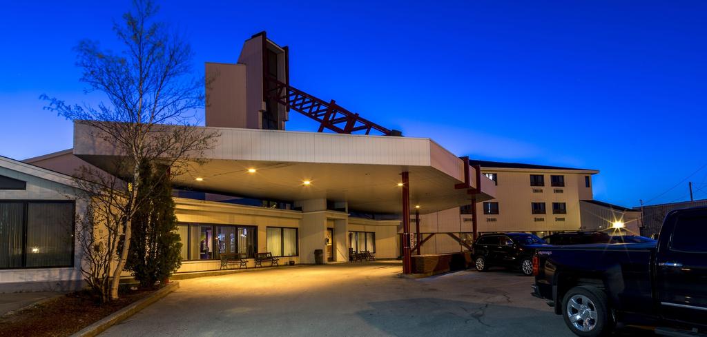 Sinbad's Hotel & Suites, Division No. 6
