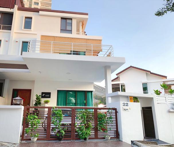 Hupo Resort Beach Front Pool Villa, Pulau Penang