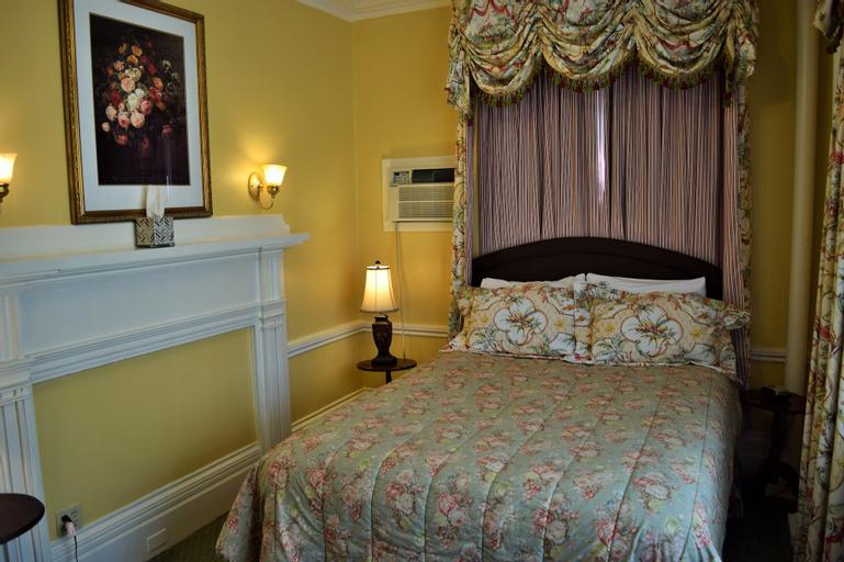 Bellevue Manor, Newport