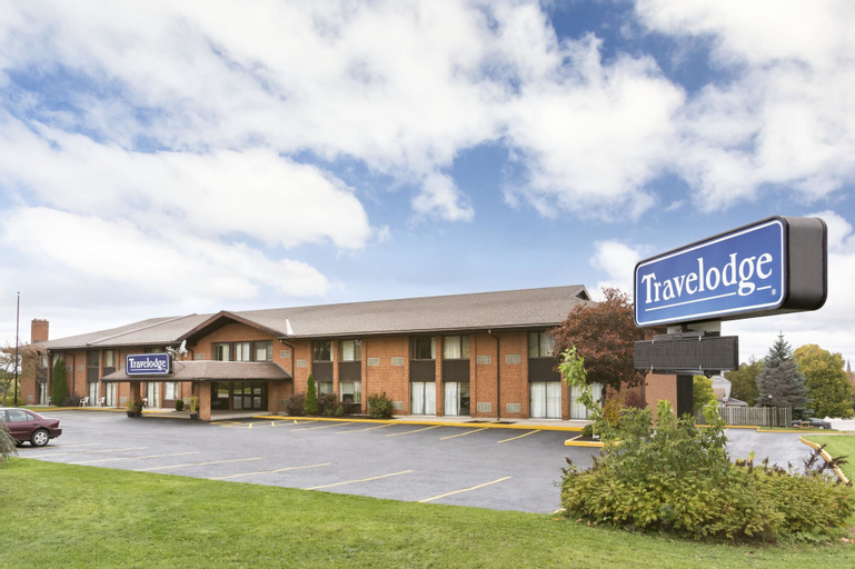 Travelodge by Wyndham Owen Sound, Grey