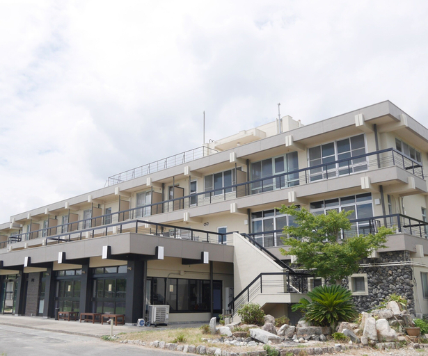 J-Hoppers Lake Biwa Guesthouse, Ōtsu