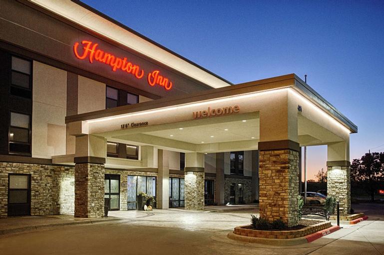 Hampton Inn Salina, Saline