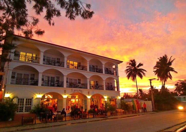 Little Italy Hotel,