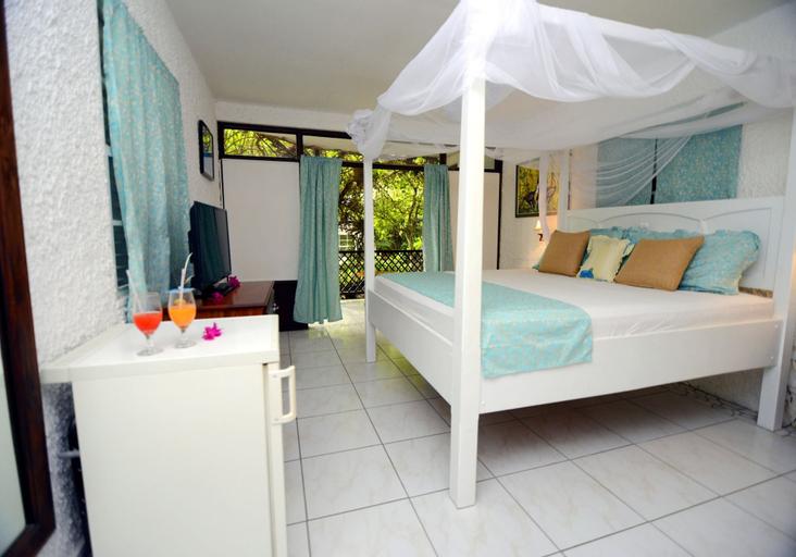 Hummingbird Beach Resort,