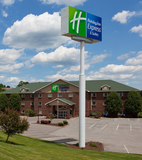 Holiday Inn Express Hotel & Suites Center Township, Beaver