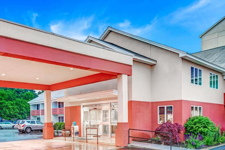 Days Hotel & Conference Center by Wyndham Methuen MA, Essex