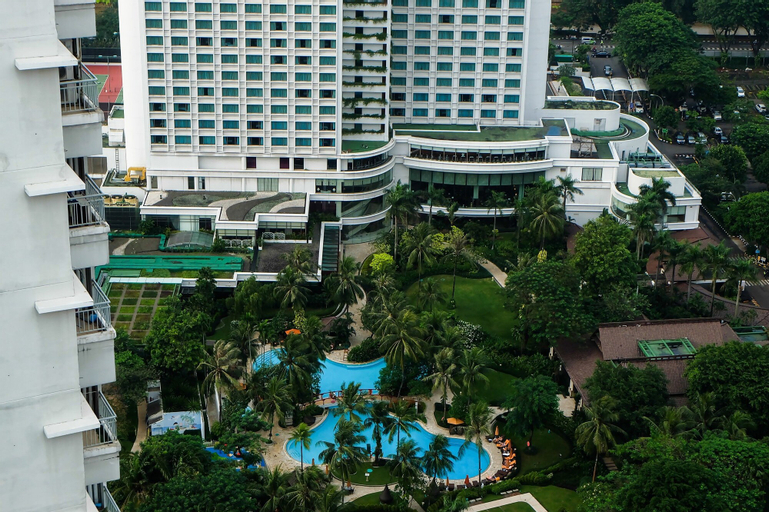 1 Bedroom Sudirman Park Apartment City View by Travelio, Central Jakarta