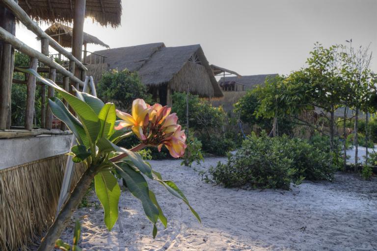 Leng Meng Beach Bungalow, Botum Sakor