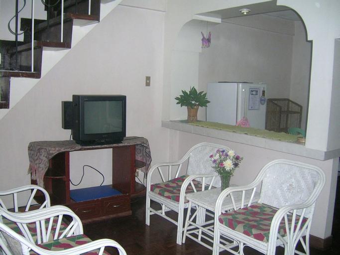 4 BR Unit 1 Jefrell Apartments, Baguio City