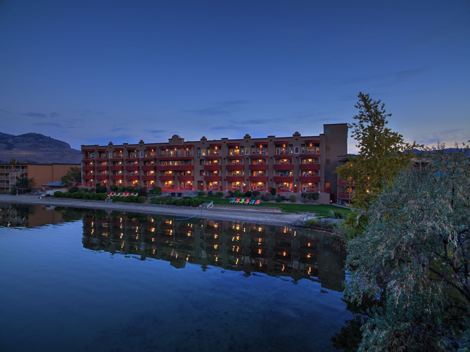 Holiday Inn Hotel & Suites Osoyoos (Pet-friendly), Okanagan-Similkameen
