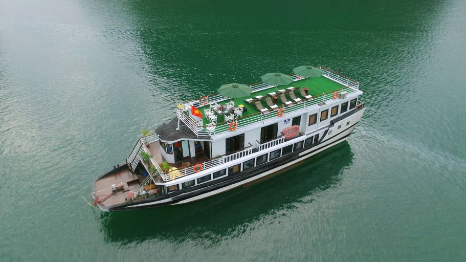 Legend White Dolphin Cruise, Hạ Long