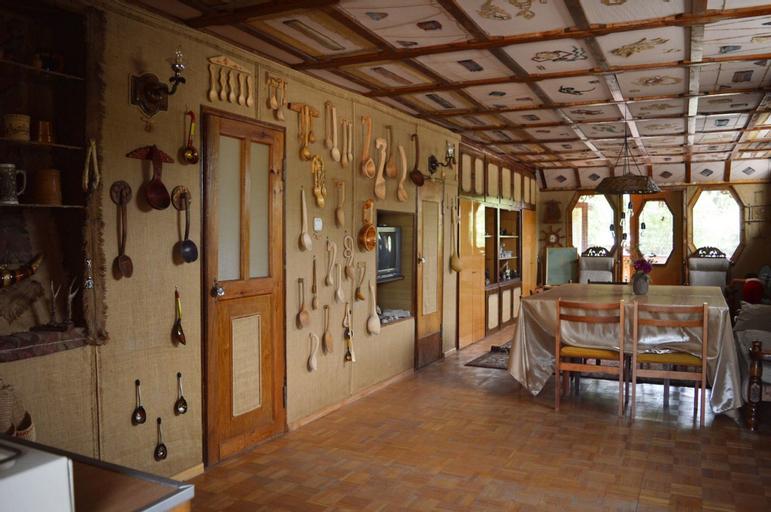 Artsiv Guesthouse,