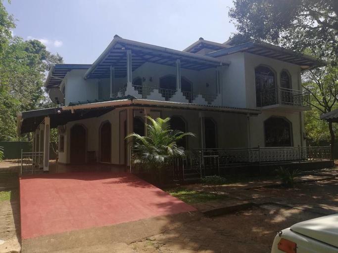 N.L.I. Guest House, Hingurakgoda