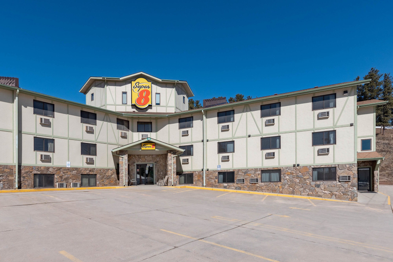 Super 8 by Wyndham Hill City/Mt Rushmore/ Area, Pennington
