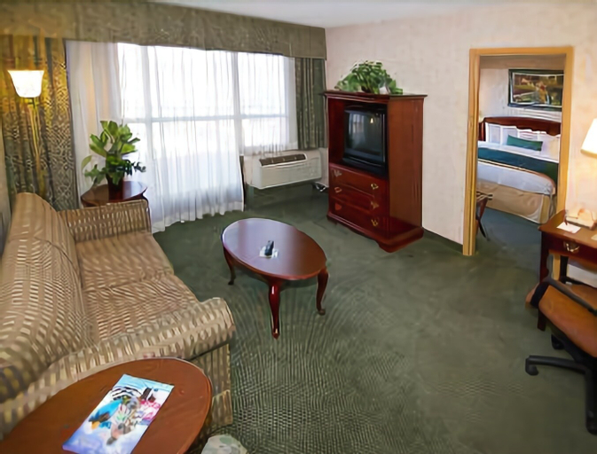 Ramada by Wyndham Reno Hotel and Casino, Washoe