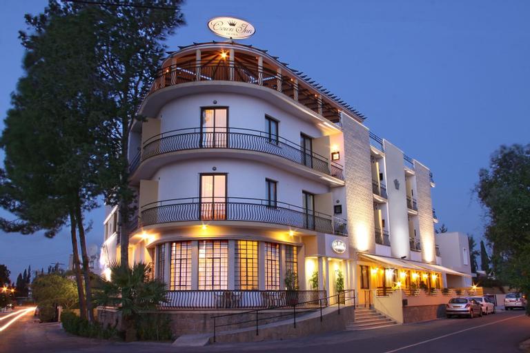 Crown Inn Hotel,
