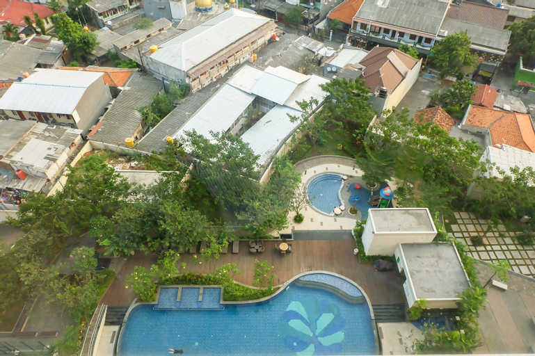 Pool View At Central Park Area (Madison Park) Apartment, West Jakarta