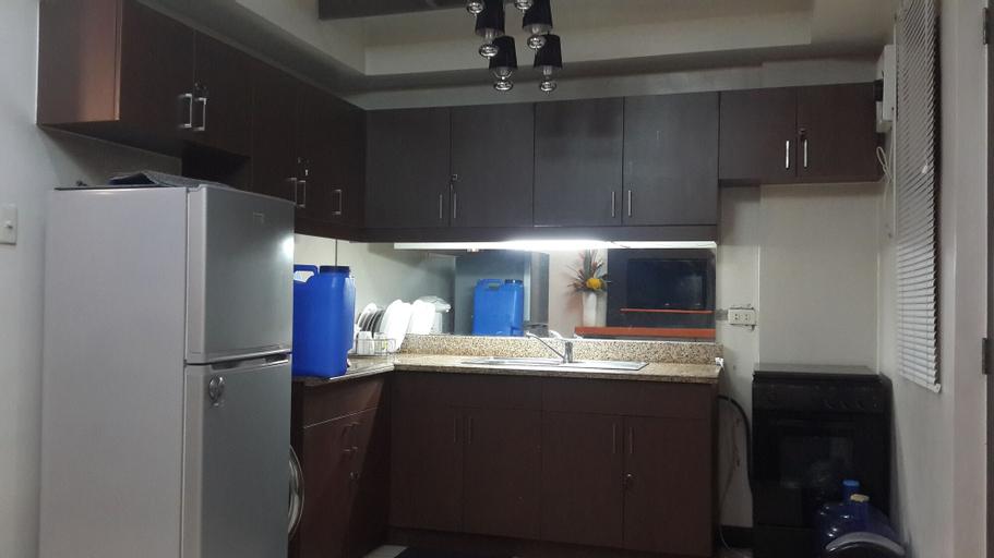 Romantic 1 Bedroom Condo at The Redwoods Condominium, Quezon City
