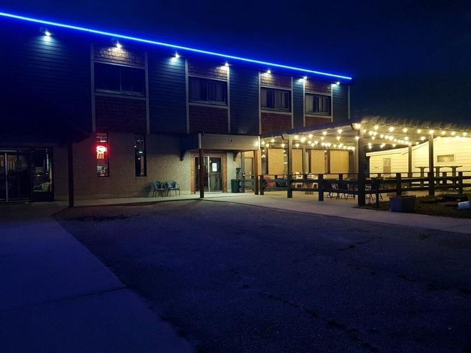 Gibbons hotel &Tavern, Division No. 11