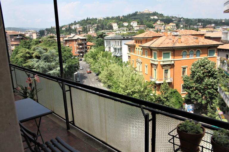 Casa Ba, Verona