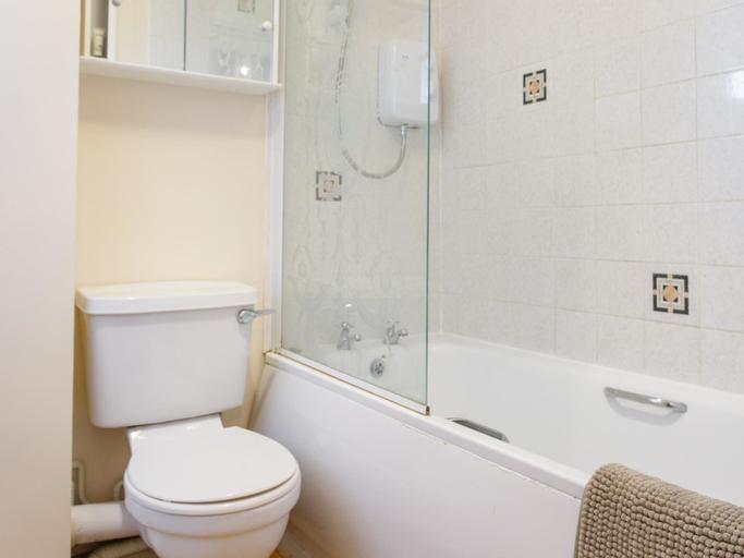 Erith Serviced Apartment, London