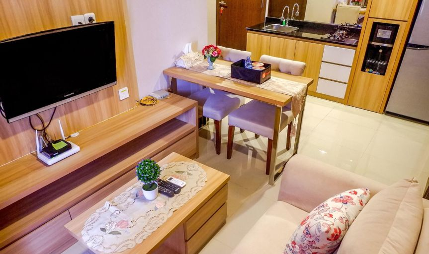 Warm Interior 3BR  Apartment near MT Haryono and Cawang By Travelio, Jakarta Timur
