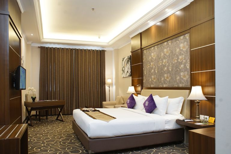 Adhiwangsa Hotel and Convention Hall, Solo