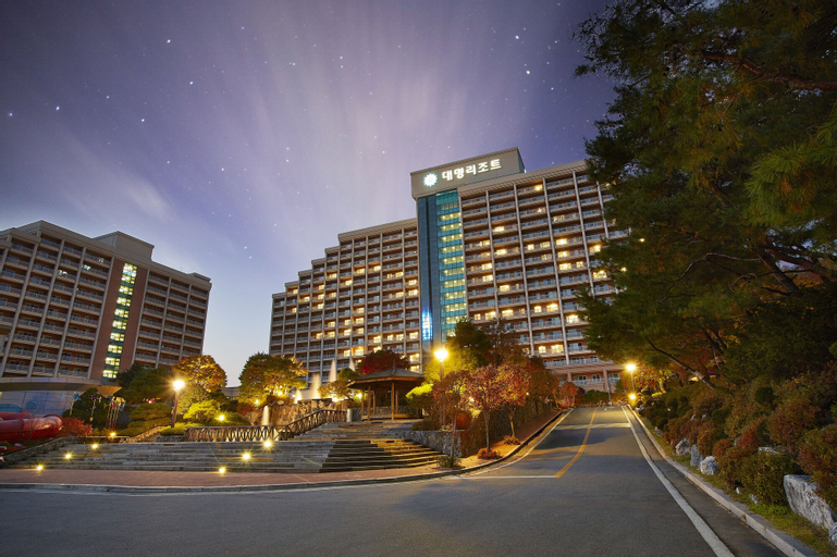 Sono Moon Danyang (formerly Daemyung Resort Danyang), Danyang