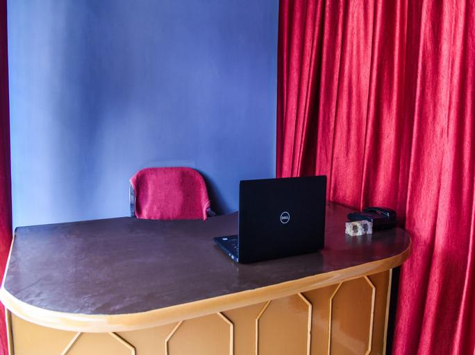 OYO 14606 Holiday Inn, Patna