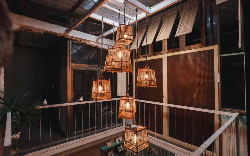 Nivas Siam Hostel, Thon Buri