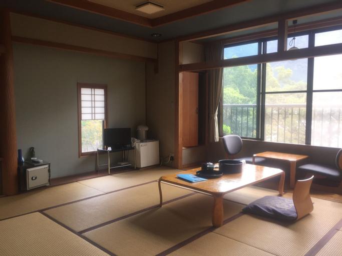 Enokiya Ryokan, Yufu